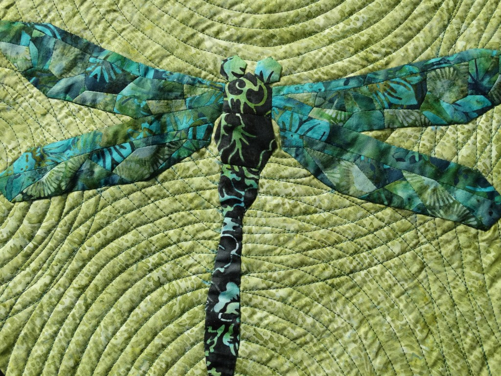 """EPP Dragonfly Quilt """"Flying in Circles""""   Mud, Pies and Pins"""