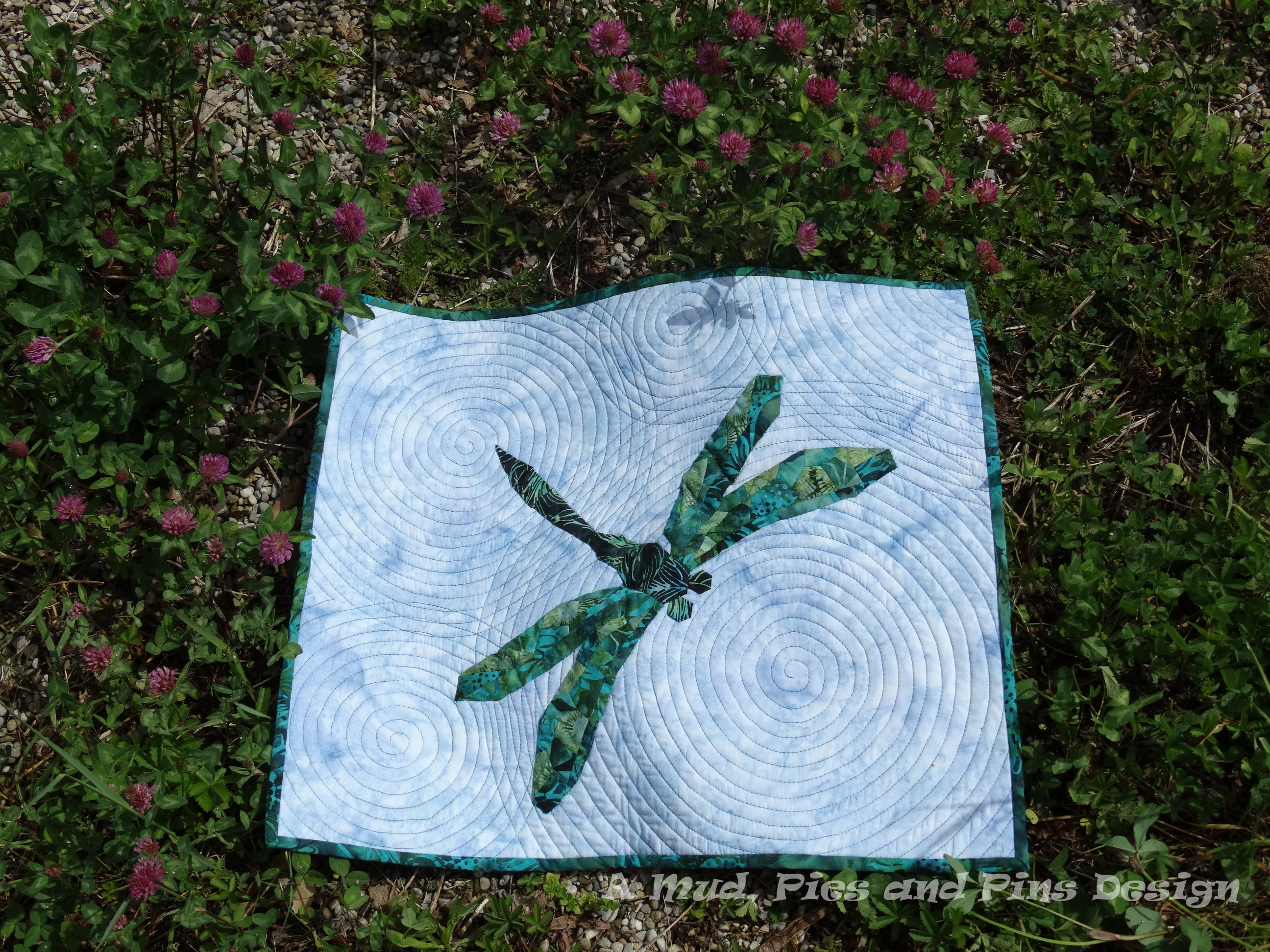 "EPP dragonfly mini quilt ""Ripples"" 