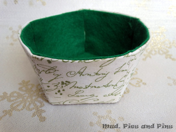 Fabric bowl tutorial | Mud, Pies and Pins