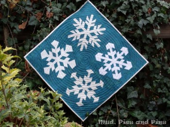 Snowflakes mini by Mud, Pies and Pins