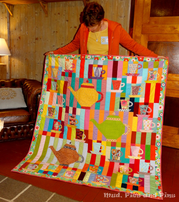 Miss D. and her tea time quilt at the Peaks 7 Retreat | Mud, Pies and Pins