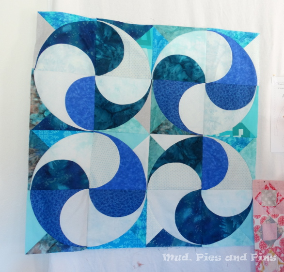 Peaks Harmony Quilt sample by Busy Needle Quilting | Mud, Pies and Pins