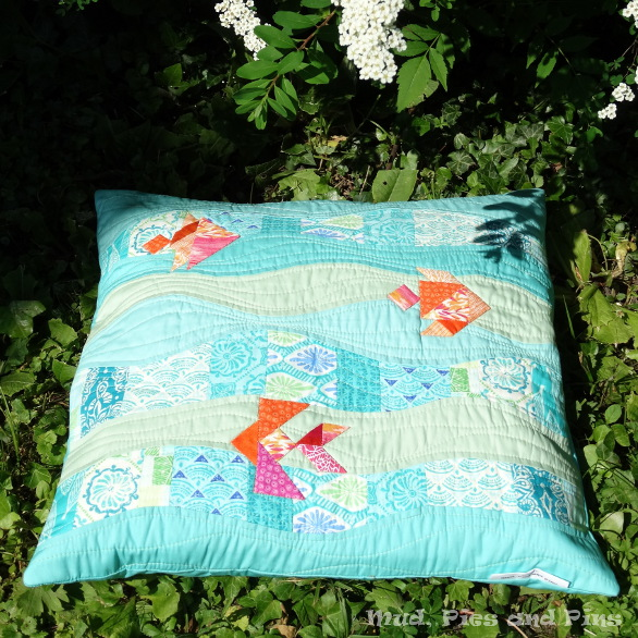 Summer Pillow  Swap Makes | Mud, Pies and Pins