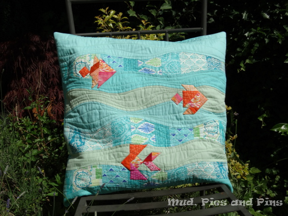 Tangram fish pillow | Mud, Pies and Pins