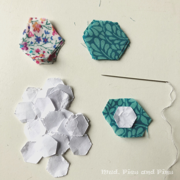 Micro EPP - how to work with tiny pieces | Mud, Pies and Pins