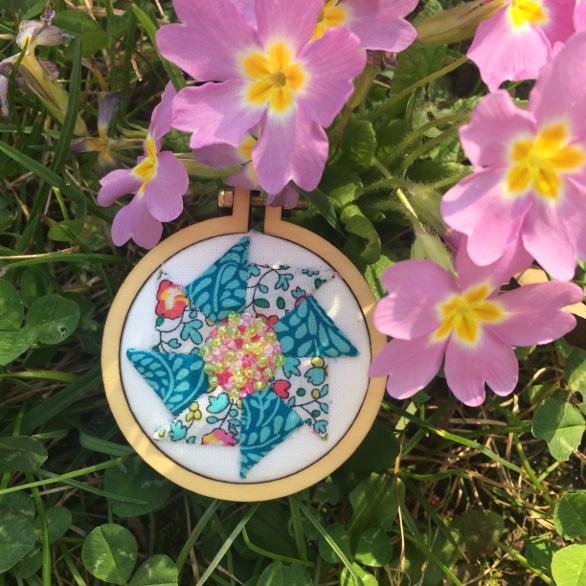 Saw Wheel Bloom mini hoop | Mud, Pies and Pins