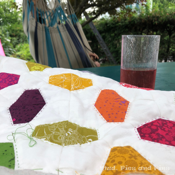 Hand Quilting | Mud, Pies and Pins