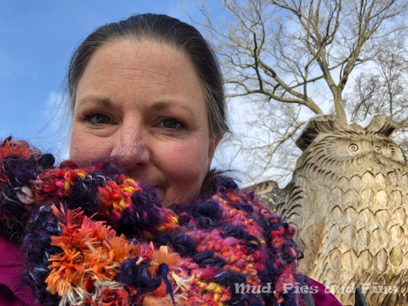 Knitted cowl | Mud, Pies and Pins