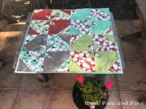 Disappearing Pinwheel Table Topper | Mud, Pies and Pins