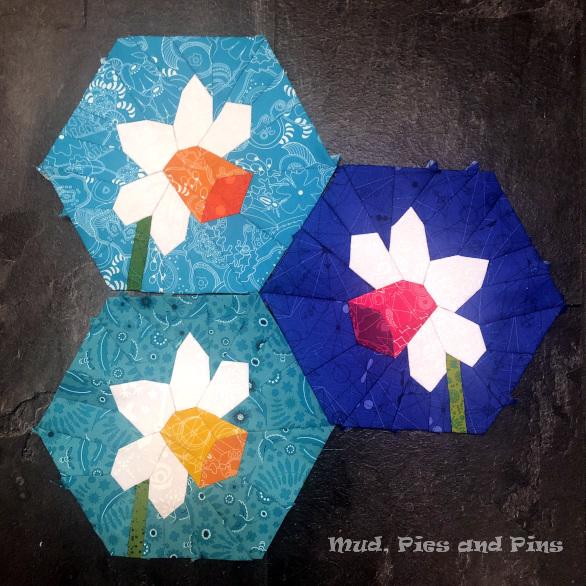 Hexagonal EPP Daffodil blocks | Mud, Pies and Pins